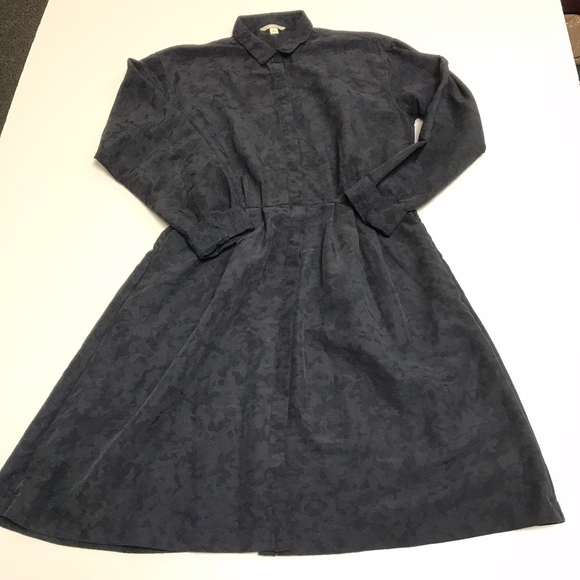 GAP Dresses & Skirts - Gap Collared Long Sleeve Button Down Flared Dress